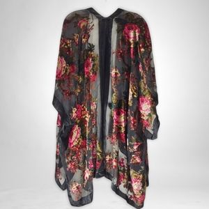 Woven Heart Floral Design on Black Velvet Wrap OS